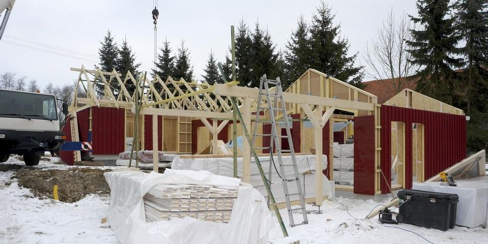 Chillicothe New Home Builders Share Pros Cons Of Building Or Remodeling Your Home In The Winter R J Custom Home Builders