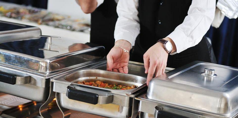 Top 5 Advantages of Hiring a Catering Service - Café Julia Hawaii