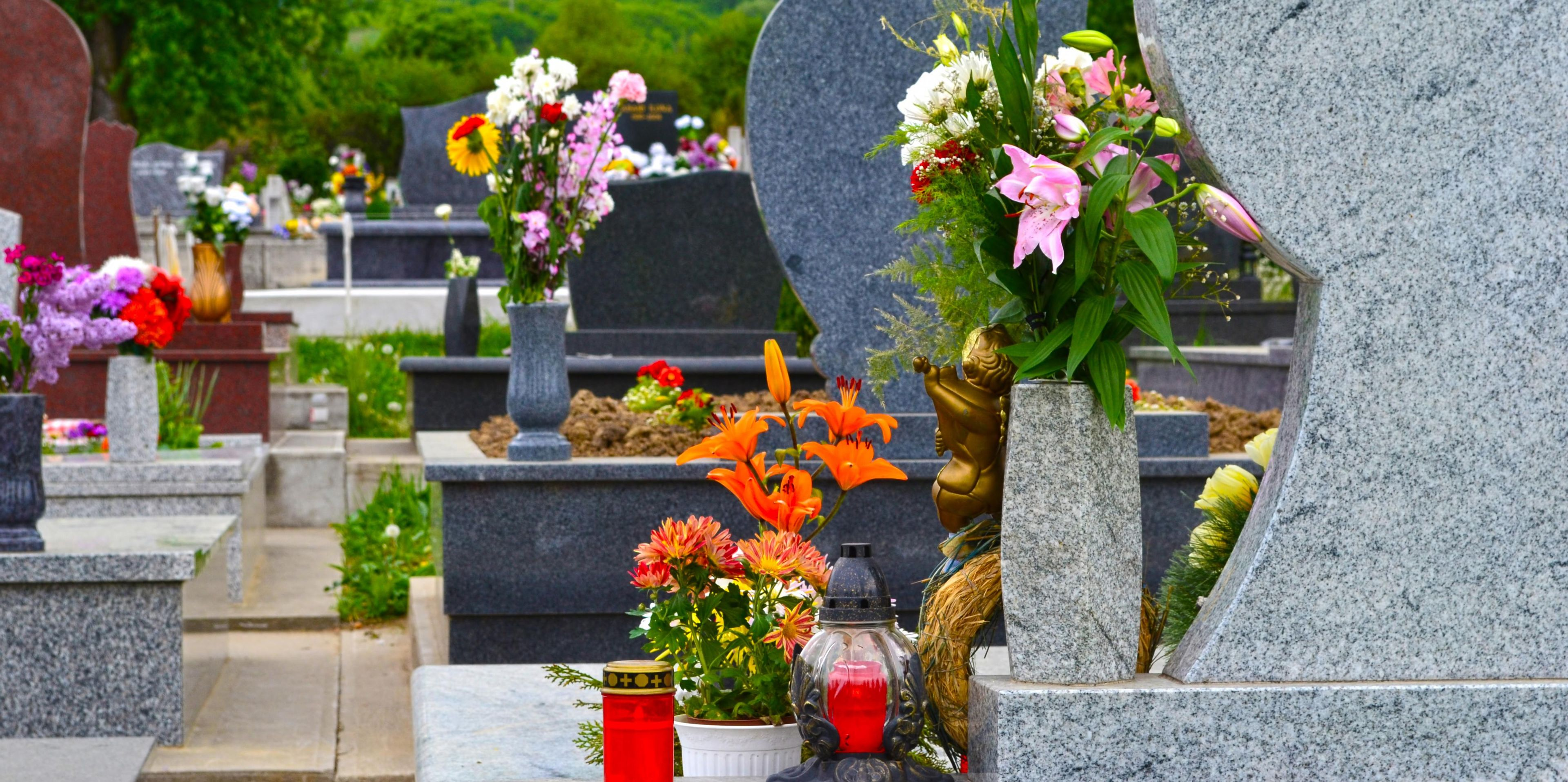 A Guide To Laying Flowers At A Grave Laurel Grove Florist Green Houses Llc