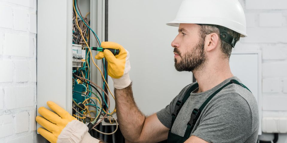 Whats the Difference Between Low & High Voltage Wiring