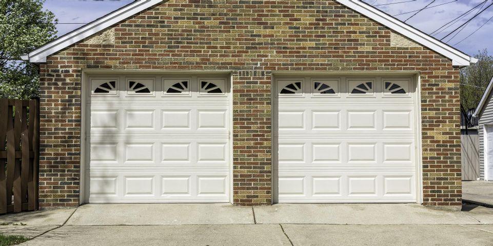 How to Choose an Energy-Efficient Garage Door - Chris ...